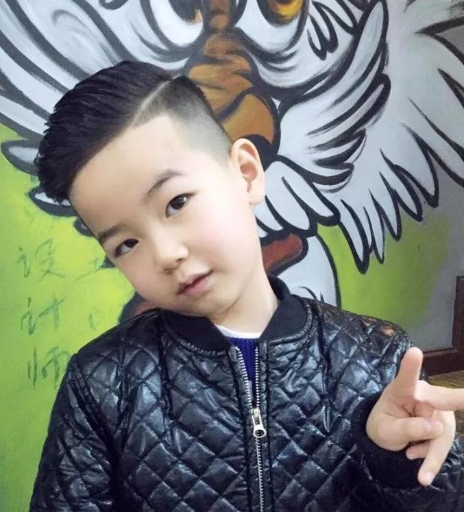 9男孩发型图片,小男孩发型图片,男孩子发型图片,男孩发型图片大全